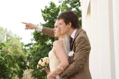 ζευγάρι παντρεμένο πρόσφατα Στοκ Φωτογραφίες