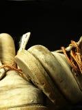 Ζευγάρι των παλαιών, φορεμένων βαριών μποτών Στοκ Εικόνες