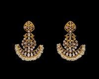 Ζευγάρι των σκουλαρικιών με τα διαμάντια Στοκ Εικόνα