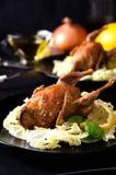 Ζευγαριού αλατισμένα καρυκεύματα σαλάτας ορτυκιών ψημένα πτηνά στοκ φωτογραφία με δικαίωμα ελεύθερης χρήσης