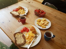 Ζεύγος αγάπης πρωινού προγευμάτων τροφίμων Στοκ Φωτογραφία