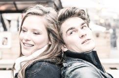 Ζεύγος ερωτευμένο - αρχή του Love Story Στοκ εικόνες με δικαίωμα ελεύθερης χρήσης