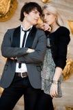 Ζεύγος - κορίτσι και τύπος Στοκ εικόνα με δικαίωμα ελεύθερης χρήσης