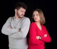 ζεύγος που έχει τις υπαίθριες νεολαίες σκηνής προβλημάτων Στοκ Εικόνες