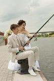 ζεύγος που αλιεύει παντρεμένο πρόσφατα επιτυχή Στοκ Φωτογραφία