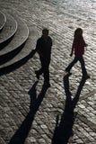 Ζεύγος που περπατά στο plaza του Σαν Φρανσίσκο, Κουίτο Στοκ φωτογραφία με δικαίωμα ελεύθερης χρήσης