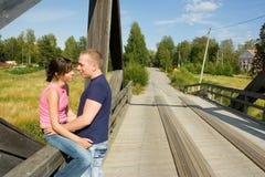 Ζεύγος στη γέφυρα Στοκ Εικόνα