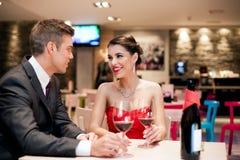 Ζεύγος στη χρονολόγηση σε ρομαντικό Στοκ Εικόνες