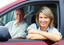 Ζεύγος στο αυτοκίνητο στοκ φωτογραφία με δικαίωμα ελεύθερης χρήσης