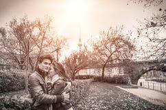 Ζεύγος στο μαγικό του Love Story Στοκ εικόνα με δικαίωμα ελεύθερης χρήσης