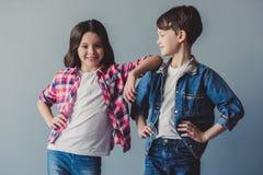 Ζεύγος των παιδιών στοκ φωτογραφία με δικαίωμα ελεύθερης χρήσης