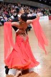 Ζεύγος χορού αιθουσών χορού, που χορεύει στον ανταγωνισμό Στοκ Εικόνα