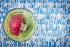 Ζελατίνα, φράουλα, φρούτα ακτινίδιων Στοκ Φωτογραφία