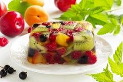 Ζελατίνα φρούτων με τη σαμπάνια στοκ φωτογραφία