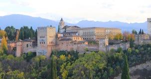 Ζουμ λαμβάνοντας υπόψη Alhambra στη Γρανάδα απόθεμα βίντεο