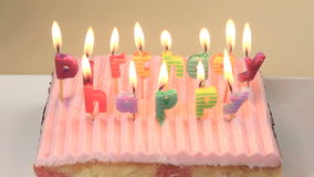 Ζουμ κεριών γενεθλίων απόθεμα βίντεο