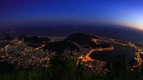 Ζουμ σούρουπου χρονικού σφάλματος εικονικής παράστασης πόλης του Ρίο απόθεμα βίντεο