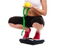 Ζυγός ποδιών γυναικών Απώλεια βάρους αδυνατίσματος Στοκ Φωτογραφίες