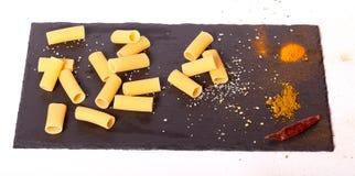 ζυμαρικά ακατέργαστα Στοκ Εικόνες