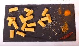 ζυμαρικά ακατέργαστα Στοκ φωτογραφία με δικαίωμα ελεύθερης χρήσης