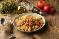 Ζυμαρικά και φασόλια, καρότα και σέλινο Στοκ φωτογραφίες με δικαίωμα ελεύθερης χρήσης