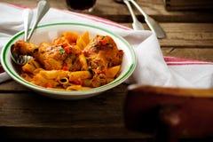 ζυμαρικά κοτόπουλου στοκ εικόνες