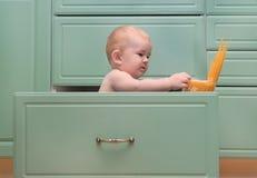 Ζυμαρικά μαγείρων παιδιών Στοκ Εικόνες
