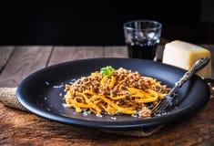 Ζυμαρικά με τη σάλτσα κρέατος ή ζυμαρικά με το ragu bolognese Στοκ Εικόνες