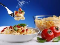 Ζυμαρικά με τη σάλτσα ντοματών στοκ φωτογραφία με δικαίωμα ελεύθερης χρήσης