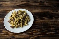 Ζυμαρικά με το επίγειο χοιρινό κρέας Στοκ φωτογραφίες με δικαίωμα ελεύθερης χρήσης