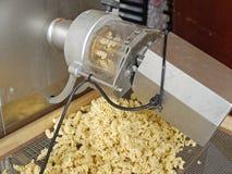 Ζυμαρικά που κατασκευάζουν τη μηχανή Στοκ εικόνα με δικαίωμα ελεύθερης χρήσης