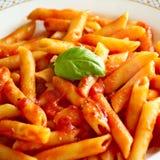 Ζυμαρικά, σάλτσα ντοματών, ιταλικά τρόφιμα Στοκ Εικόνες