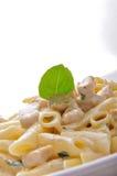Ζυμαρικά της Penne με την άσπρη σάλτσα Στοκ φωτογραφίες με δικαίωμα ελεύθερης χρήσης