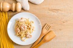ζυμαρικά fettuccini με τις γαρίδες Στοκ εικόνες με δικαίωμα ελεύθερης χρήσης