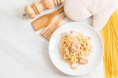ζυμαρικά fettuccini με τις γαρίδες Στοκ Φωτογραφίες