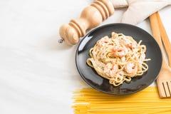 ζυμαρικά fettuccini με τις γαρίδες Στοκ φωτογραφίες με δικαίωμα ελεύθερης χρήσης
