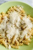 Ζυμαρικά Fusilli Στοκ Εικόνα