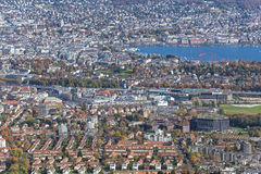 Ζυρίχη - άποψη από το υποστήριγμα Uetliberg το φθινόπωρο Στοκ φωτογραφία με δικαίωμα ελεύθερης χρήσης