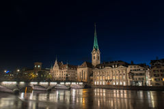 Ζυρίχη τη νύχτα Στοκ φωτογραφία με δικαίωμα ελεύθερης χρήσης