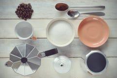 1 ζωή ακόμα Προετοιμασία κάποιου καφέ Από την κορυφή Στοκ φωτογραφία με δικαίωμα ελεύθερης χρήσης