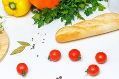 1 ζωή ακόμα Τρόφιμα Ψωμί και ντομάτα Στοκ Εικόνα