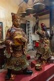Ζωή δύο - ταξινομήστε τα αγάλματα στον ταοϊστικό ναό Kwan Tai Tai Ο, Χονγκ Κονγκ Κίνα στοκ εικόνες