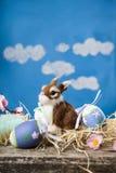 Ζωή Πάσχας ακόμα με τα αυγά Πάσχας και ένα κουνέλι παιχνιδιών Στοκ φωτογραφία με δικαίωμα ελεύθερης χρήσης