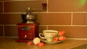 Ζωή σπιτιών καφέ ακόμα στον πίνακα στοκ φωτογραφίες με δικαίωμα ελεύθερης χρήσης
