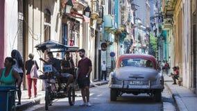 Ζωή στη ζωηρόχρωμη οδό Αβάνα, Κούβα Στοκ φωτογραφίες με δικαίωμα ελεύθερης χρήσης