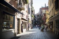 Ζωή στους δρόμους της Βενετίας στοκ εικόνες