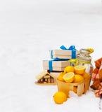 Ζωή Χριστουγέννων ακόμα με τις διακοσμήσεις Χριστουγέννων Στοκ φωτογραφίες με δικαίωμα ελεύθερης χρήσης