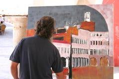 Ζωγράφος στην εργασία που χρωματίζει το τετράγωνο ύψους Στοκ Εικόνες