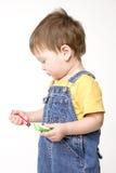 ζωγραφική αγοριών στοκ εικόνα με δικαίωμα ελεύθερης χρήσης