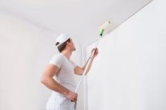Ζωγραφική ζωγράφων στον τοίχο στοκ φωτογραφία